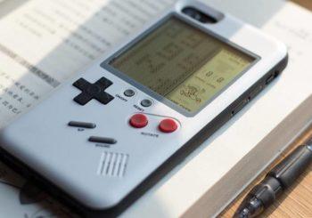 Une coque qui transforme votre iPhone en Game Boy