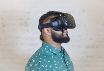 Oculus Rift versus HTC Vive : Lequel choisir ?